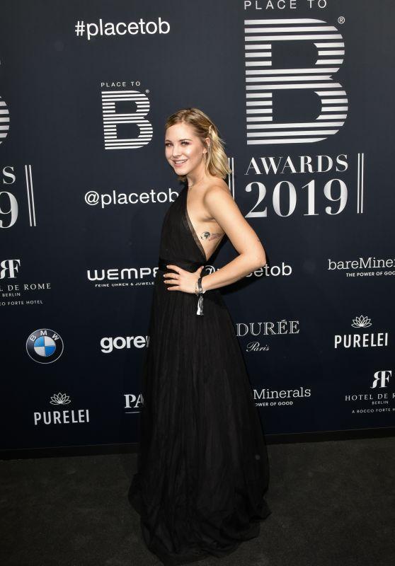 Diana zur Löwen – Place 2 Be Influencer Award 2019
