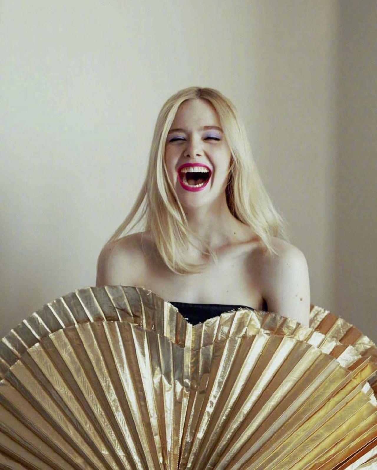 К праздникам готова: Эль Фэннинг в съемке Glamour Spain (фото 3)