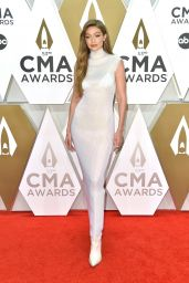Gigi Hadid – CMA Awards 2019
