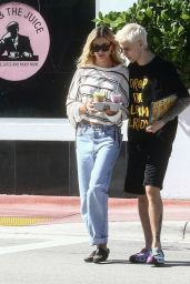Hailey Rhode Bieber and Justin Bieber - Out in Miami 11/28/2019