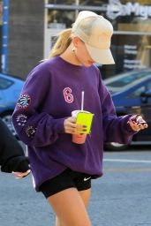 Hailey Rhode Bieber - Picks Up a Healthy Smoothie in West Hollywood 11/25/2019