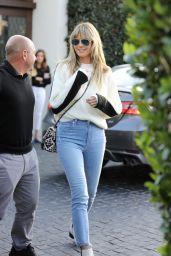 Heidi Klum in Sweater and Skinny Jeans 11/21/2019