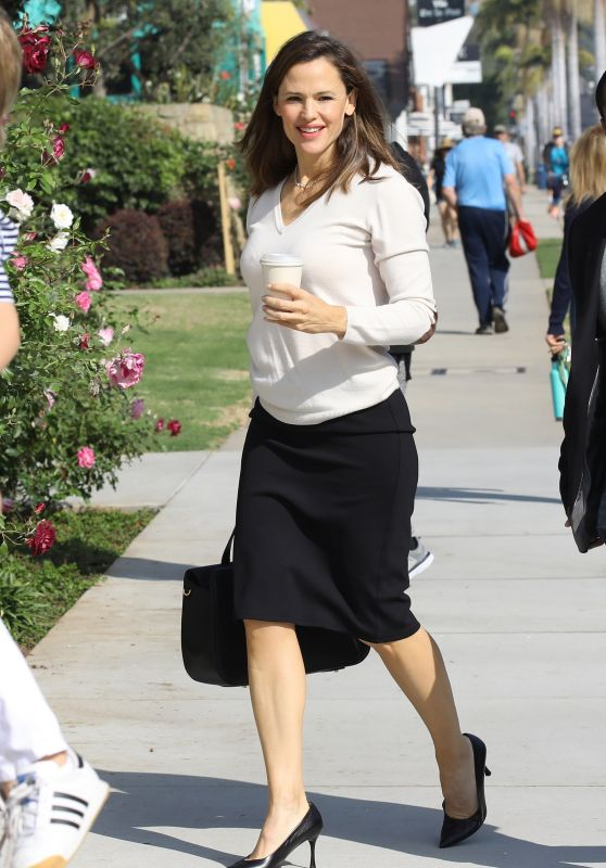 Jennifer Garner at Church in Pacific Palisades 11/10/2019