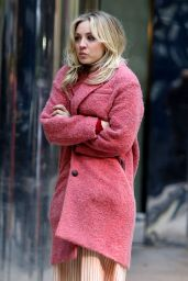 "Kaley Cuoco - ""The Flight Attendant"" Set in NYC 11/13/2019"