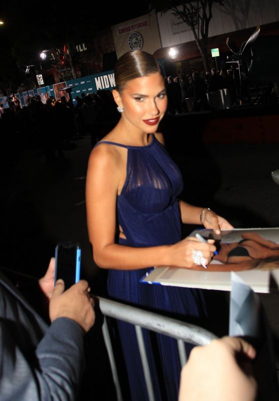 "Kara Del Toro - Greeting Fans Outside the ""Midway"" Premiere in Westwood"