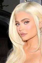 Kylie Jenner - Kendal Jenner