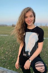 Lyliana Wray - Social Media 11/25/2019