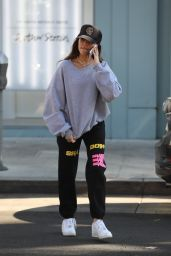 Madison Beer - Croft Alley in Beverly Hills 11/04/2019