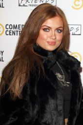 Maisie Smith – Comedy Central Friends Festive Exhibition Launch in London 11/28/2019