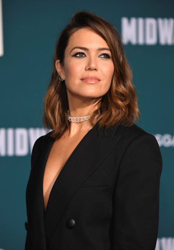 "Mandy Moore – ""Midway"" Premiere in Westwood"