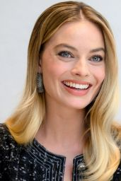 "Margot Robbie - ""Bombshell"" Press Conference Photoshoot"