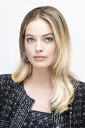 "Margot Robbie – ""Bombshell"" Press Conference Photoshoot (more photos)"