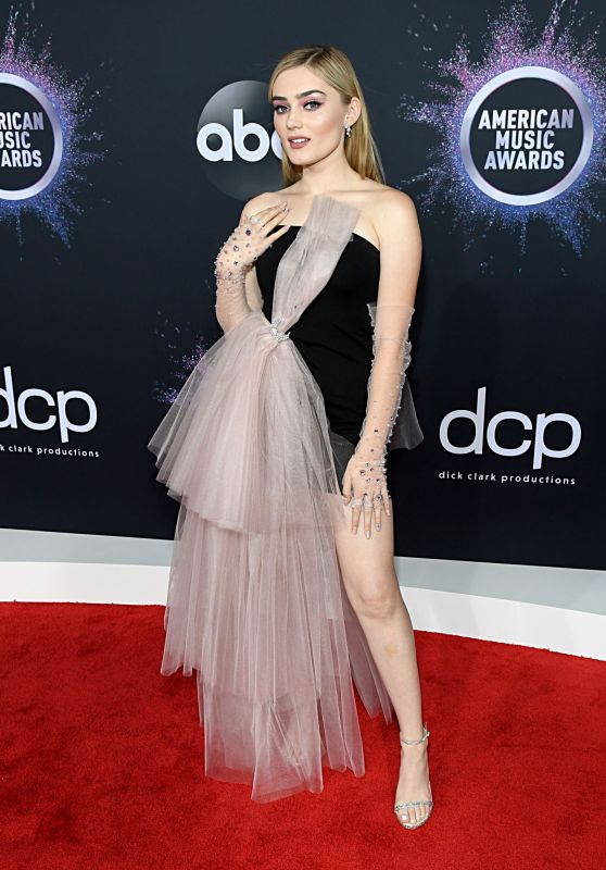 Meg Donnelly – American Music Awards 2019