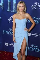 "Michelle Randolph – ""Frozen 2"" Premiere in Hollywood"