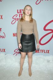 "Molly Quinn – ""Let It Snow"" Premiere in LA"