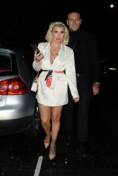 Olivia Buckland - Arriving at Bagatelle in London 11/27/2019