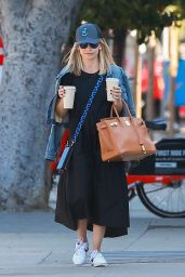 Sarah Michelle Gellar - Blue Bottle Coffee in Santa Monica 11/07/2019
