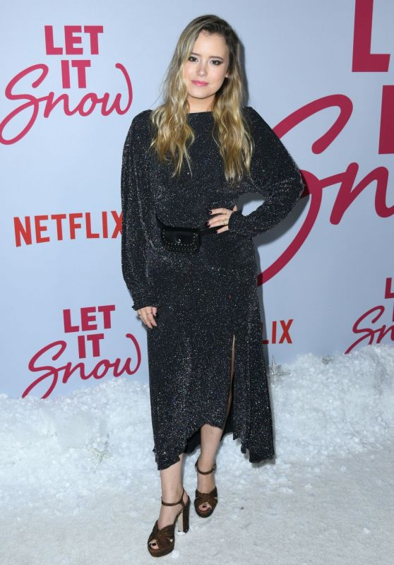"Taylor Spreitler – ""Let It Snow"" Premiere in LA"