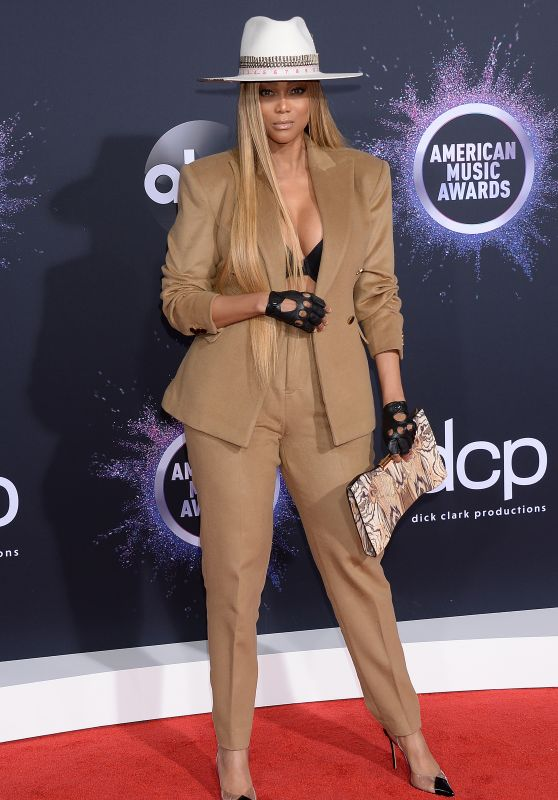 Tyra Banks – American Music Awards 2019