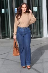 Vicky Pattison in a Beige Top and Denim Jeans - London 11/09/2019