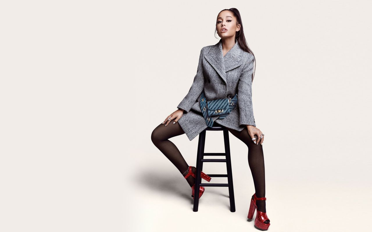 Ariana Grande Wallpapers (+7)
