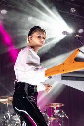 Amanda AJ Michalka, Alyson Aly Michalka - Concert in San Francisco 12/03/2019