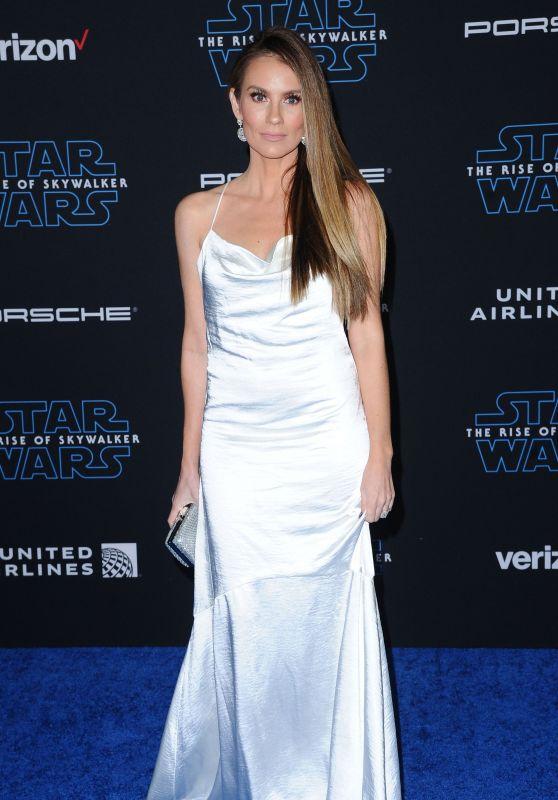 """Angela Stacy – """"Star Wars: The Rise Of Skywalker"""" Premiere in LA"""