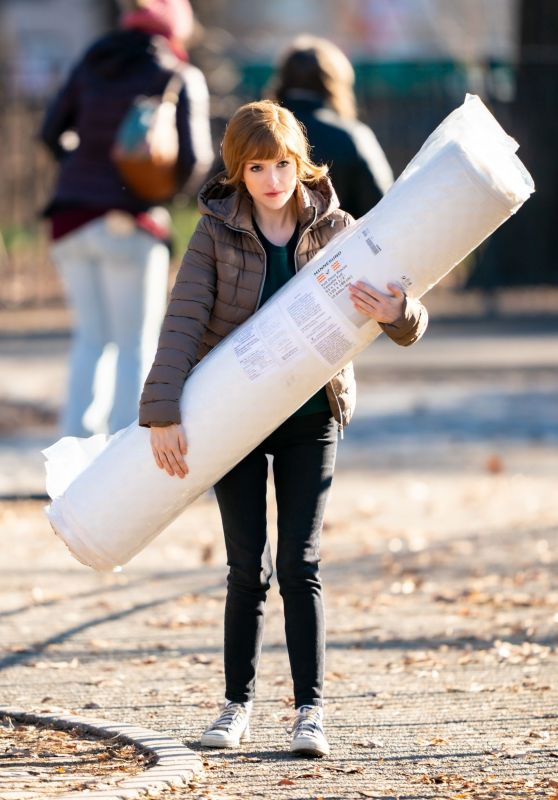 Anna Kendrick - Tompkins Square Park in NYC 12/20/2019