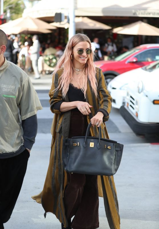 Ashlee Simpson - Shopping in Beverly Hills 12/20/2019