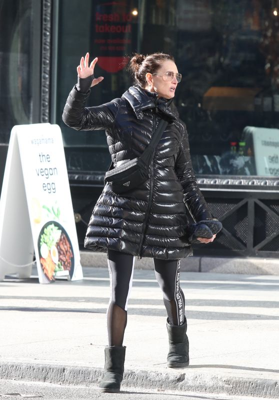 Brooke Shields Hailing a Cab in NYC 12/24/2019