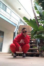 Camren Bicondova - Social Media 12/06/2019