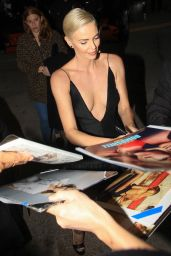 """Charlize Theron - Greets Fans at the """"Bombshell"""" Premiere in Westwood"""