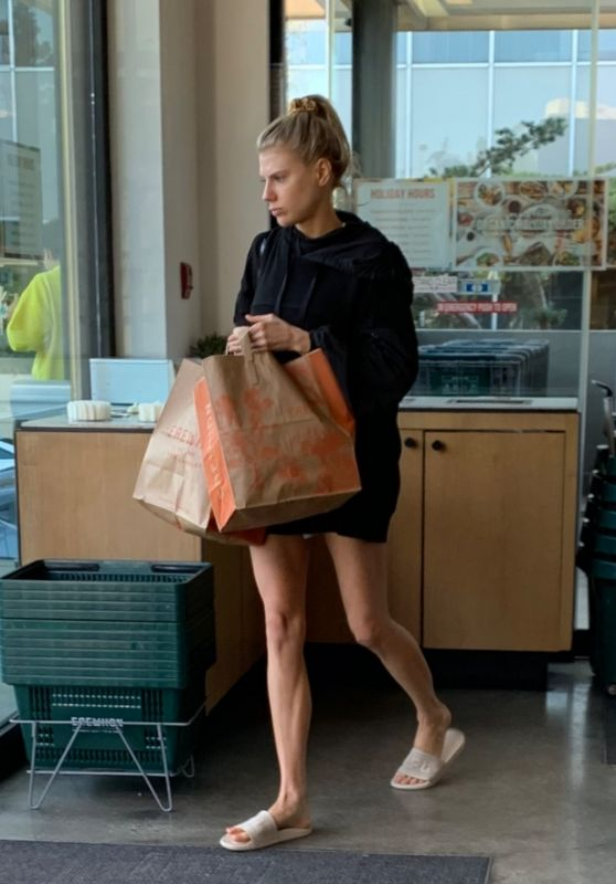 Charlotte McKinney - Grocery Shopping at Erewhon Market in Hollywood 12/16/2019