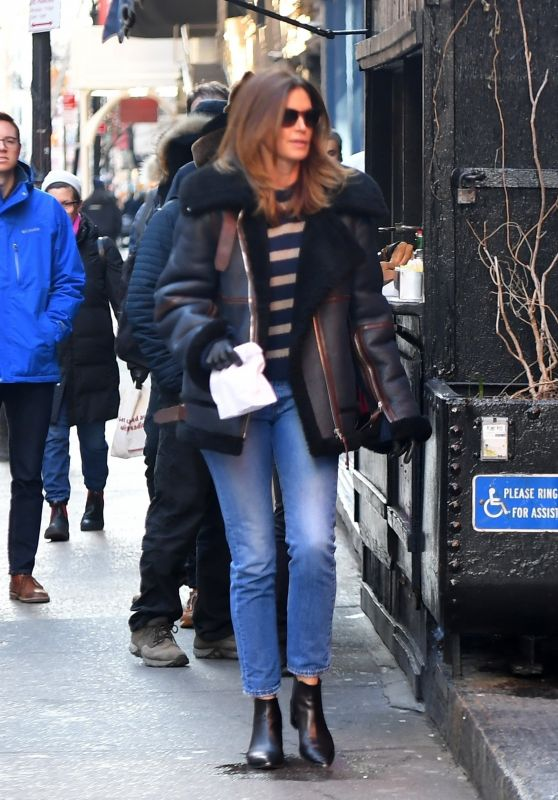 Cindy Crawford Street Style - New York City 12/12/2019