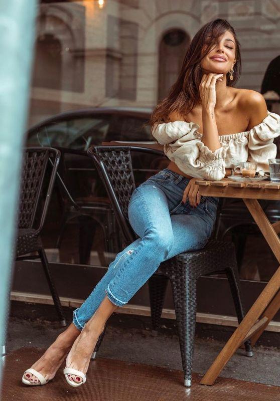 Cristina Buccino 12/06/2019