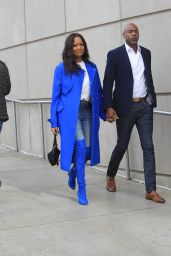 Garcelle Beauvais at Los Angeles Lakers Game in LA 12/01/2019