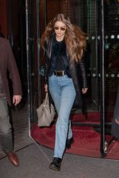 Gigi Hadid Street Style 12/04/2019