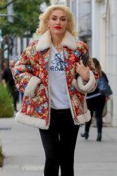 Gwen Stefani - Shopping in Beverly Hills 12/23/2019