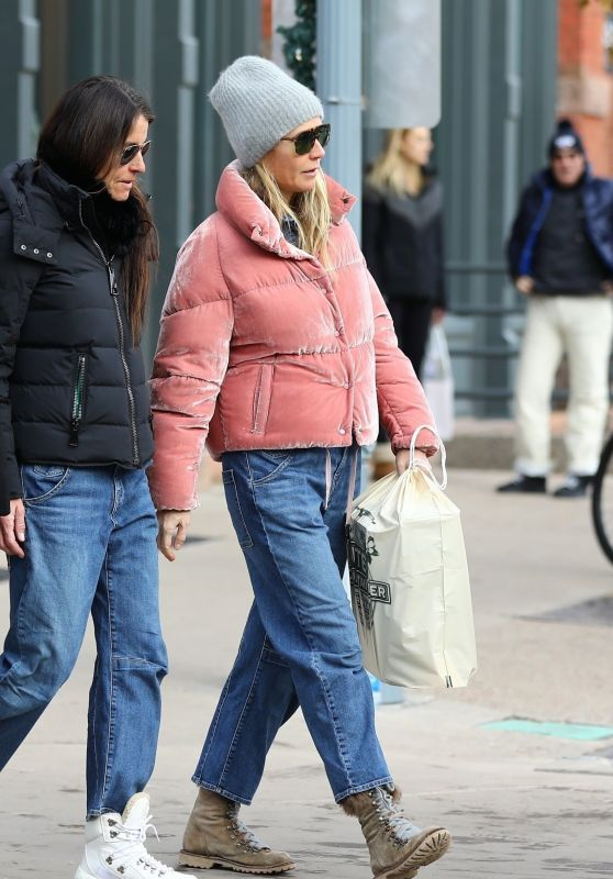 Gwyneth Paltrow - Christmas Shopping in Aspen 12/23/2019