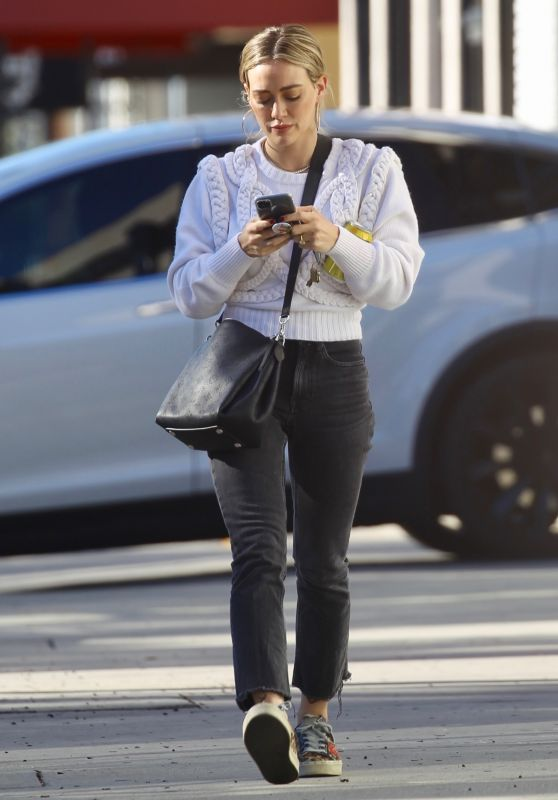 Hilary Duff - Out in Sherman Oaks 12/19/2019