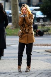 """Kaley Cuoco and Zosia Mamet - """"The Flight Attendant"""" Movie Set in NYC 12/18/2019"""
