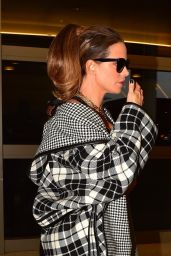 Kate Beckinsale - Arrives for a Flight to London at LAX Airport in LA 12/03/2019