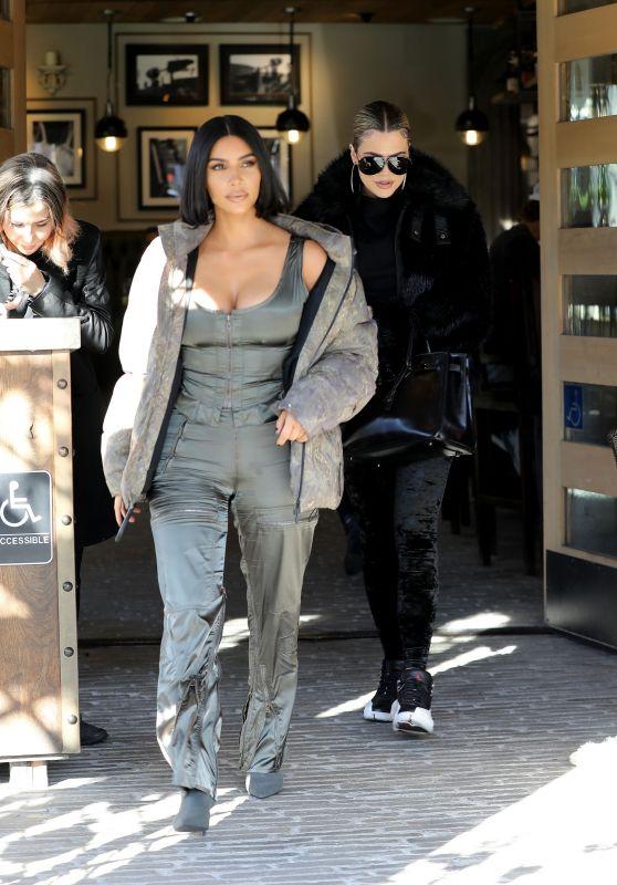 Kim Kardashian and Khloe Kardashian - Grandville Restaurant in Studio City 12/02/2019