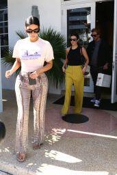 Kim Kardashian - Shopping in Miami 12/03/2019