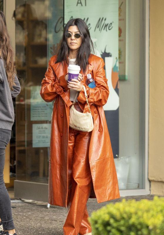 Kourtney Kardashian - Rosti Cafe in Calabasas 12/30/2019
