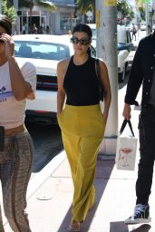 Kourtney Kardashian - Shopping in Miami 12/03/2019