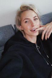 Lena Gercke - Social Media 12/25/2019