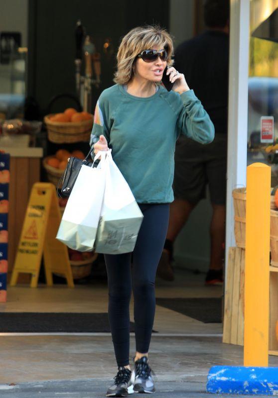 Lisa Rinna - Grocery Shopping at Jayd