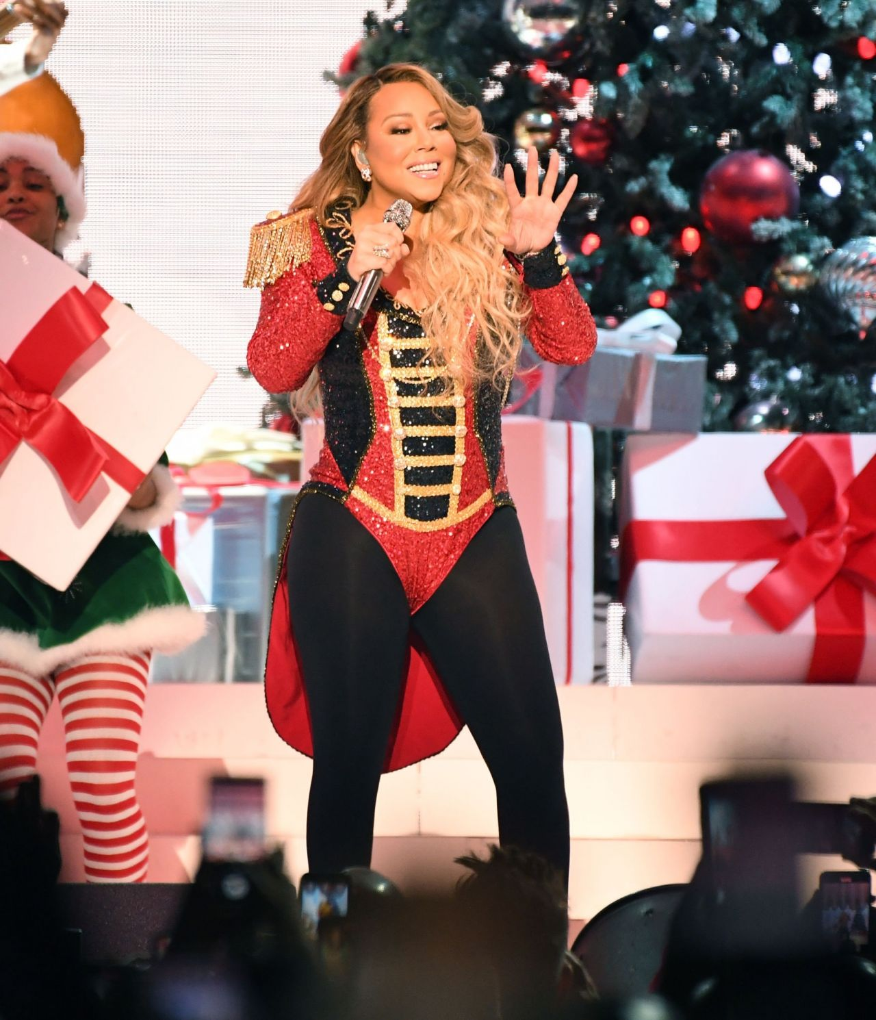 """Mariah Carey All I Want For Christmas Is You: """"All I Want For Christmas Is You"""" In NYC 12"""