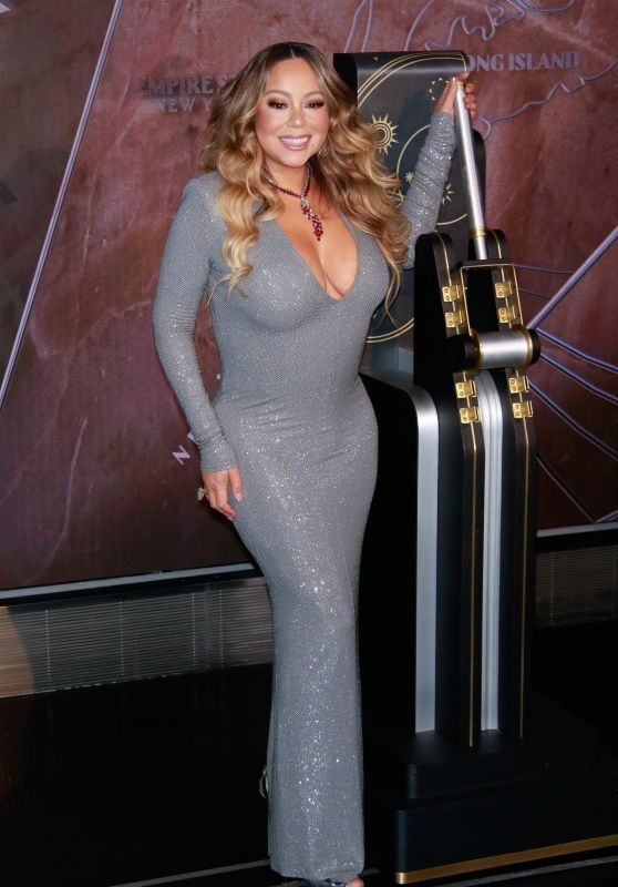 Mariah Carey - Lights Empire State Building in New York City 12/17/2019